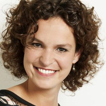 Leonie van Veen - One-on-one singing lessons in The Hague to beginners and advanced. All kinds of music. Free trial lesson.