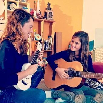 Muziekles voor jonge kinderen. Spelen met muziek en spelend leren in Den Haag voor kinderen vanaf 5 jaar. Ontdek Muziek!