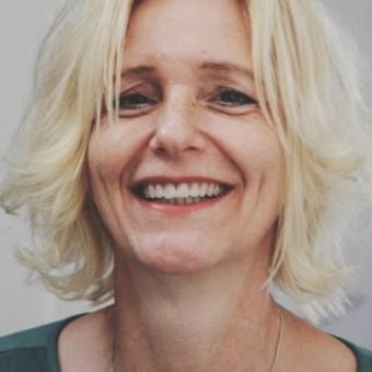 Hannah Ybelis Smit - Klassiek tot Pop zanglessen  - Ontdek je stem! Zingen in Delft en Utrecht voor alle leeftijden!