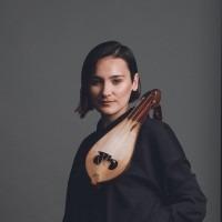 Kemenche Lyra lessen Turkse /Griekse muziek Rotterdam en Amsterdam. Emine Bostanci