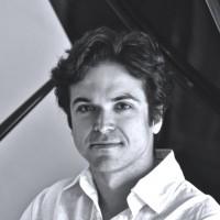 Luis Rabello - Pianoles in Rotterdam voor gevorderden - Volwassenen en jongeren. Klassiek