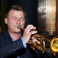 René Sommer, trompetleraar Den Haag, privé trompetles door ervaren trompetdocent voor kinderen en volwassenen. Gratis proeffles Trompet en Bugel in Den Haag en omgeving.