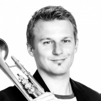 René Sommer, trompetleraar Den Haag, Plezier met muziek! Privé trompetles voor kinderen en volwassenen. Boek nu een proefles trompet of bugel in Den Haag en omgeving.