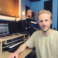 Ward Reijmerink - Music Producer lessen Amsterdam oost. Mixen - Masteren - Opnemen - Muziektheorie - Maak je eigen tracks. Basisprincipes DAW en plugins.